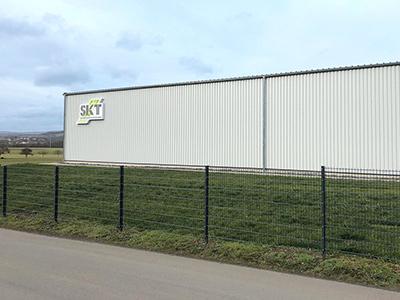 SKT investiert in neue Lagerhalle